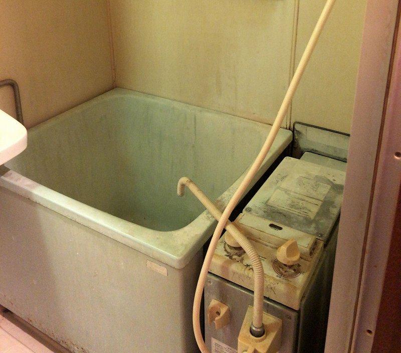 バランス釜とポリ浴槽の取替工事
