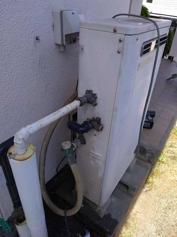 名古屋市名東区でリンナイ(タカラスタンダード)の給湯器HSN-2010SAからの交換工事